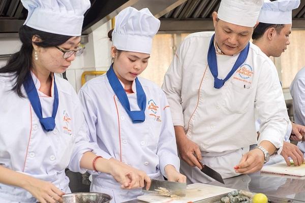 Top 10 địa chỉ dạy làm bánh uy tín & chất lượng TP.HCM